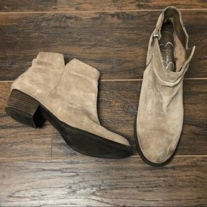 Jessica Simpson Dalisa Taupe Suede Booties 9.5